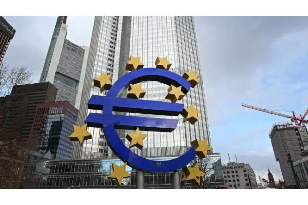 "<a href=""/features/The-ECB-and-its-Options-for-Promoting-Eurozone-Growth.10-01.html"">The ECB and its Options for Promoting Eurozone Growth</a>"
