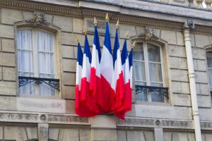 Hollande's economic plan may be thwarted by his low approval rating