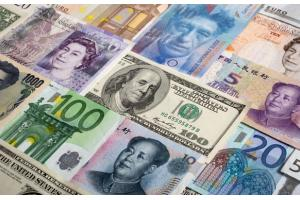The world's major currencies swing more on news in thin markets