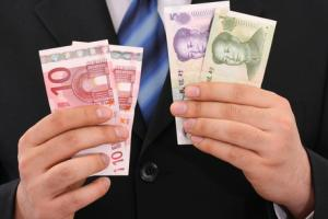 Western Hypocrisy? – Why Is China Always Chided For Currency Intervention, But N