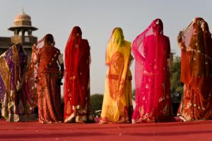 India's Urban Work Boom Is Leaving Women Behind