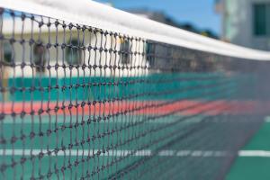 Despite an investigation, tennis officials scoff at a match-fixing notion.