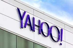 Yahoo sounds like it's putting itself up for sale without saying so.