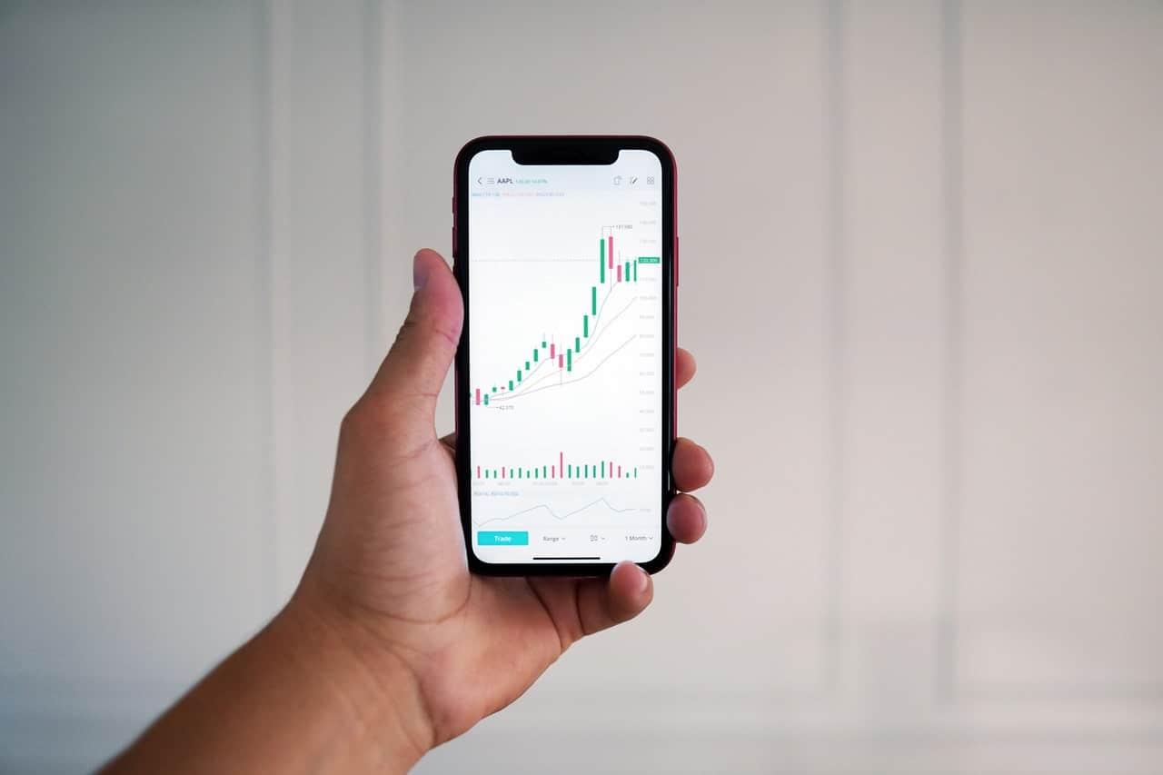 5 Best FTSE 100 Stocks to Buy in July 2021